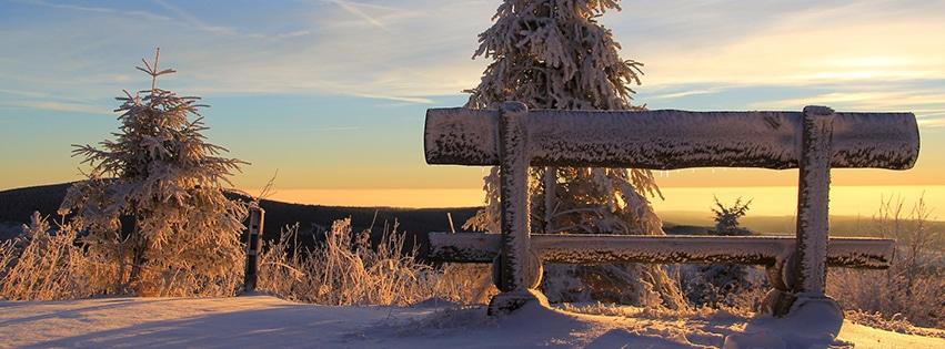 couverture-facebook-banc-sous-la-neige-monts-métallifères-coucher-de-solei-fichtelberg