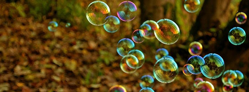 couverture-facebook-bulle-amusement-couleurs-jeu-vol-lumière-bubble
