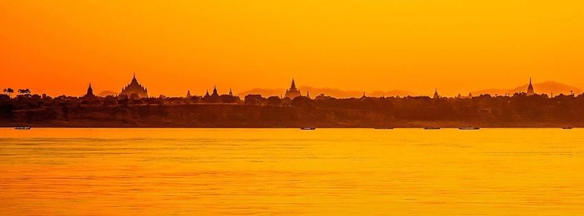 Bagan-Myanmar-Temple-Briques-Pagode-Birmanie-Asie