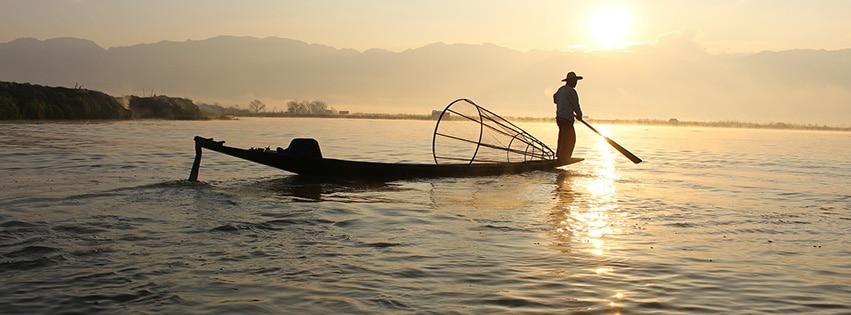 fisherman-pêcheur-lac-Inle-Myanmar-Birmanie-bateau