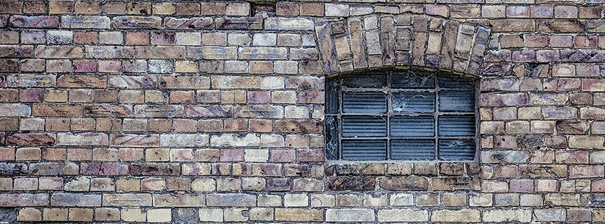 window-wall-mur-fenêtre-briques