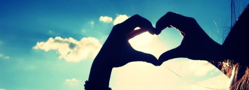 Couverture Facebook coeur dans le ciel pour un témoignage plein d'amour et de bonne ondes qui ne sera pas sans rappeler...