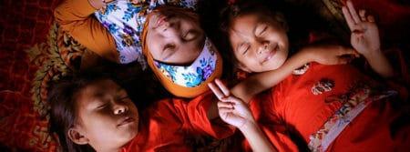 sommeil filles enfants jeune portrait funny sleep fbcouv.com