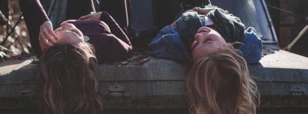mode filles couche voiture jeune femmes girls fbcouv.com
